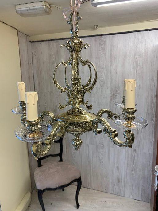 Lampara de bronce totalmente restaurada con instalación eléctrica y barniz