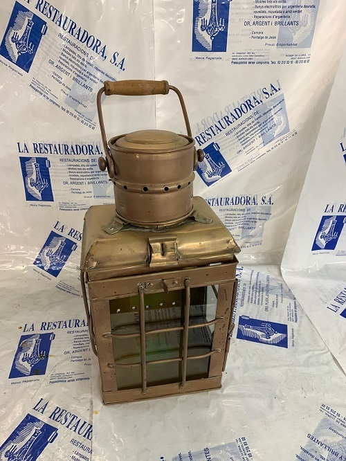 Farol de latón restaurado por La restauradora de lámparas